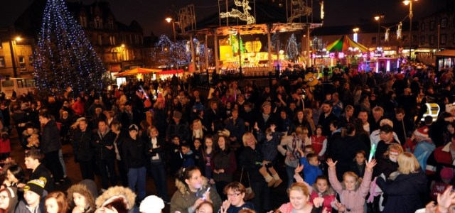 Johnstone enjoys some festive fun for Christmas light switch-on party