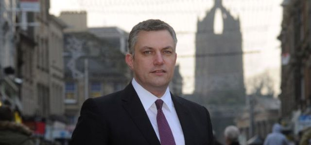 Renfrewshire Council Leader says Prime Minister is out of step on refugee crisis