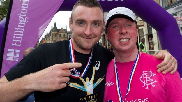 Brave blind runner takes part in Paisley 10k