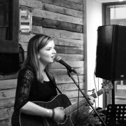 Lisa Kowalski makes it into the final six of the Salute Music UK competition