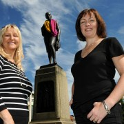 Paisley landmarks get a woolly good make over