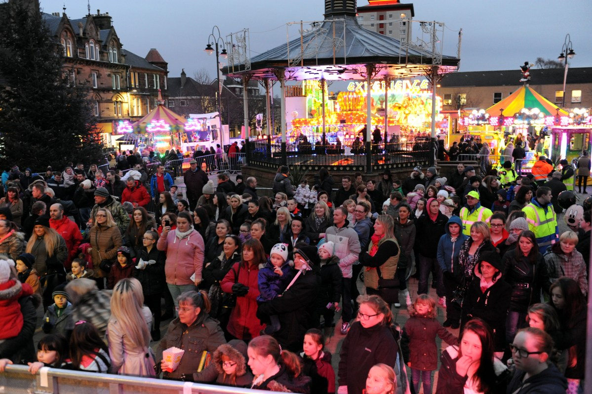 Johnstone Christmas Lights Switch-On 2017
