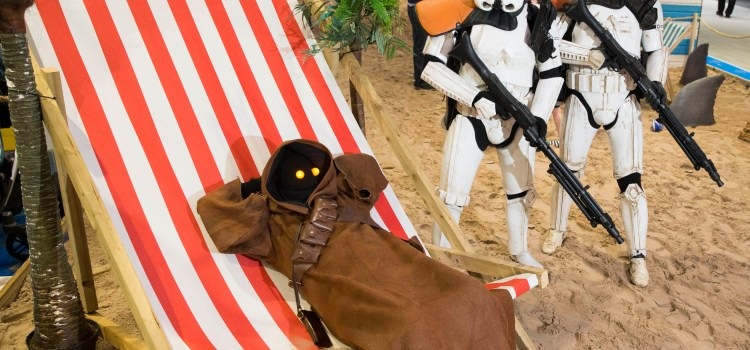 Star Wars Sandtroopers head for the intu Braehead's indoor beach