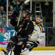 Braehead Clan battle to 7-5 win over a tough Manchester Storm in season opener
