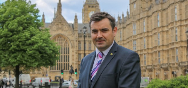 MP calls on UK Government to fix Universal Credit before Renfrewshire September launch date