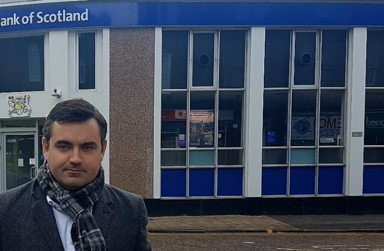 MP launches petition in bid to save Renfrew RBS branch