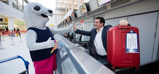 Bonnie the seal checks in at Glasgow Airport as Airport becomes Glasgow 2018 Official Supporter