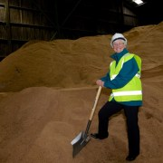Renfrewshire Council uses record amount of grit this winter