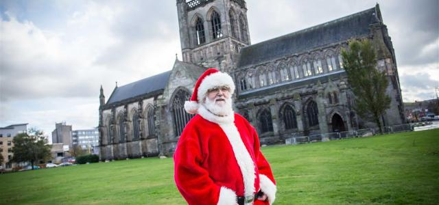 Santa Claus checks out Paisley before big Christmas Lights Switch-On event on Saturday