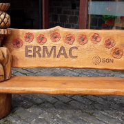 Gas distribution company SGN donates bench carved from felled tree