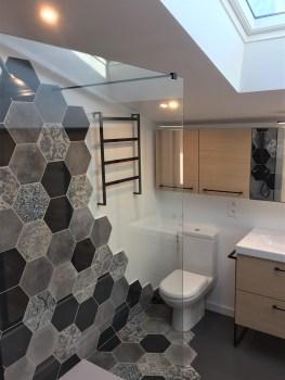 salle d'eau carrelage hexagonal 2