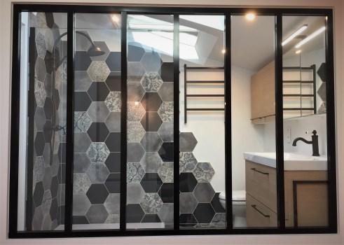 salle d'eau carrelage hexagonal 7
