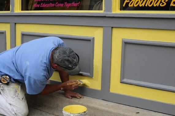 Quelques petites touches de rénovation dans votre boutique