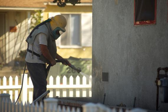 Comment nettoyer votre façade par sablage ?