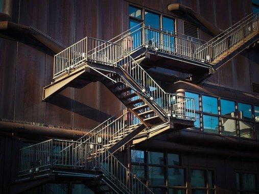 Pourquoi choisir des escaliers métalliques?