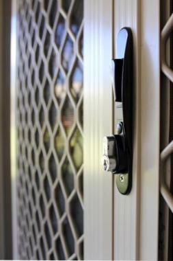 Trucs et astuces pour réparer une porte d'entrée