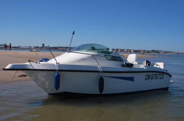 11389744920 rent my boat nice. Black Bedroom Furniture Sets. Home Design Ideas