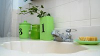 Bathroom Decorating Ideas for Small Apartments - Rent.com Blog