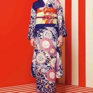 【成人式/参列/振袖レンタル】上品&華やかな藍色の大胆スタイル☆藍色流水菊