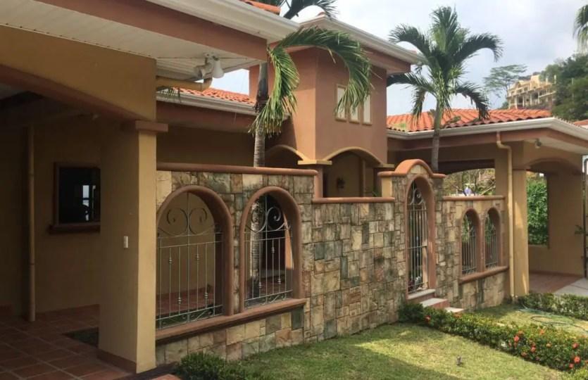 Duplex 30A/B for sale in Altos Leonamar