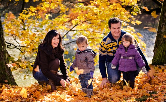 Tips for planning a fall vacation with your family