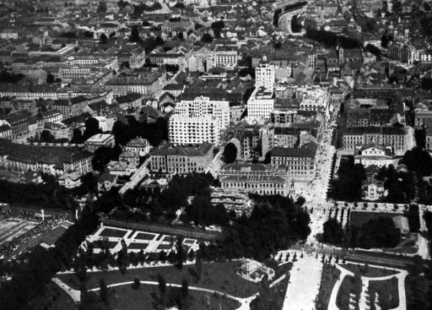 1930 - Tivoli in Nebotičnik iz zraka