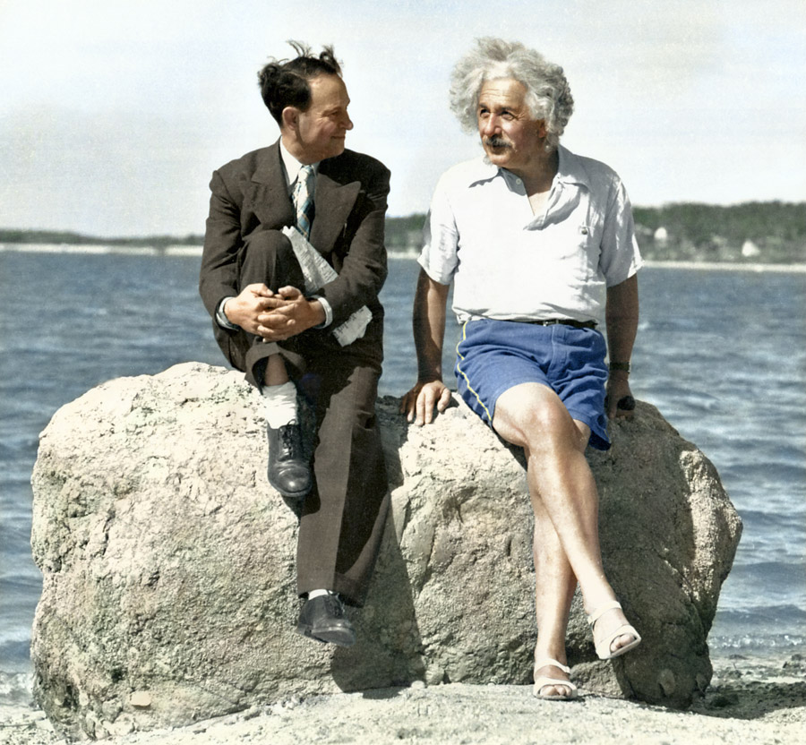 Albert Einstein, Long Island, New York, 1939 (foto: Edvos/Reddit)