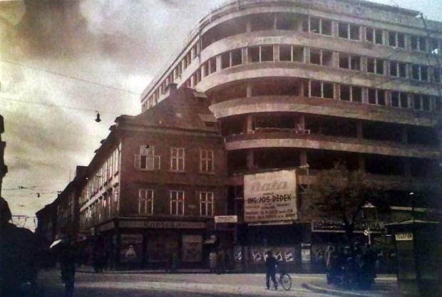 1930 - gradbišče, kjer bo nekoč stala Nama