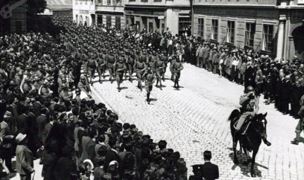1930 - parad ob odkritju spomenika kralju Petru I