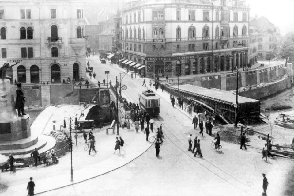 1931 - gradi se Tromostovje
