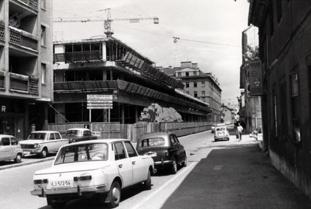 1970 - Kolodvorska ulica in nastajajoči stanovanjski kompleks