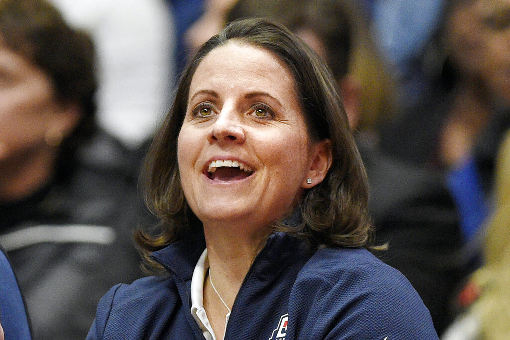 Chance of lifetime for UConn great Rizzotti