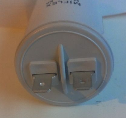 Condensateur permanent 12uf détail cosses