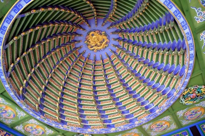 Pagode aux Perles - Plafond de la scène d'opéra - Tongli