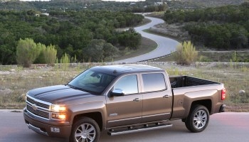2019 Chevy Silverado cuts up to 450 lbs  with aluminum closures