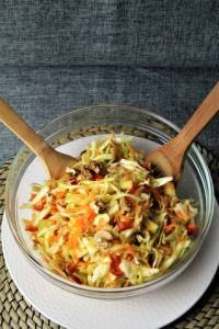 Πολύχρωμη Σαλάτα με Λάχανο