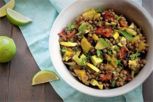 Φακές σαλάτα με αβοκάντο και λαχανικά | Repanaki