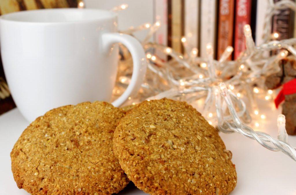 Χριστουγεννιάτικα Μπισκότα με Μήλο και Κανέλα (Χωρίς Ζάχαρη)