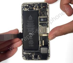 Retirer la batterie iPhone outil en metal