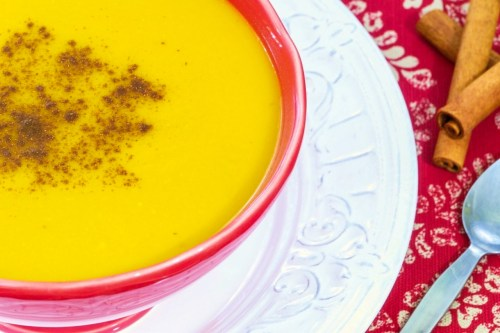 Image of a bowl of spicy butternut squash and cinnamon soup.
