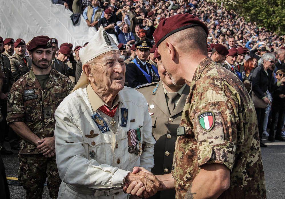 Brigata Folgore celebrato a Pisa il 75 anniversario