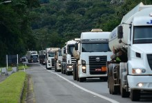 Photo of Projeto suspende parcelas de financiamentos e empréstimos tomados por caminhoneiros