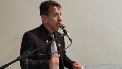Photo of Jornalista Seninha diz que JHC vem faltando com a verdade; Assista!