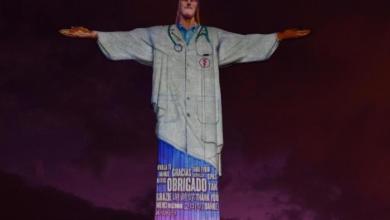 """Photo of """"OBRIGADO, GRACIAS, THANK YOU"""" – Projeção veste jaleco no Cristo Redentor em homenagem aos profissionais que combatem Covid-19"""