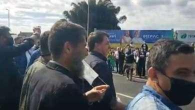 Photo of OVACIONADO! Bolsonaro faz visita surpresa em Minas Gerais