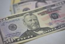 Photo of ENFIM UMA BOA NOTÍCIA! Dólar fecha no menor nível em dez semanas e cai para R$ 5,08