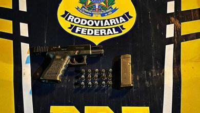 Photo of PRF prende homem por porte ilegal de arma de fogo em São Miguel dos Campos, AL