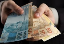 Photo of Auxílio emergencial manteve economia ativa em municípios mais pobres