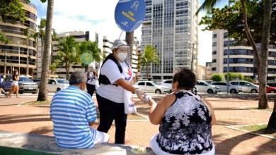 Photo of Ação distribui máscaras de proteção na Orla de Maceió