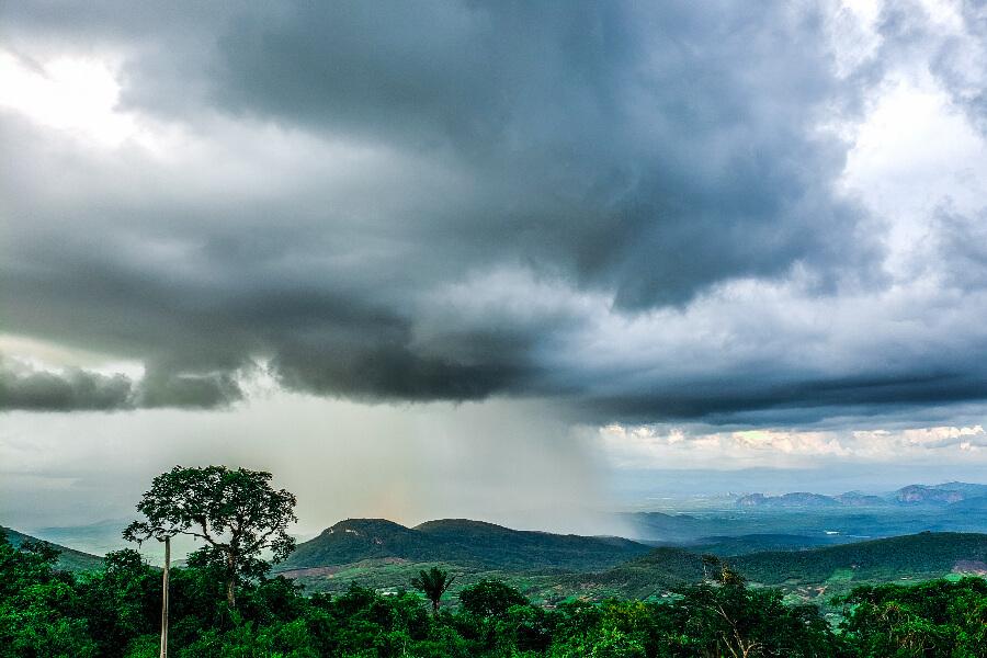 Previsão de muita chuva e temperaturas baixas no sudeste do Brasil esta semana